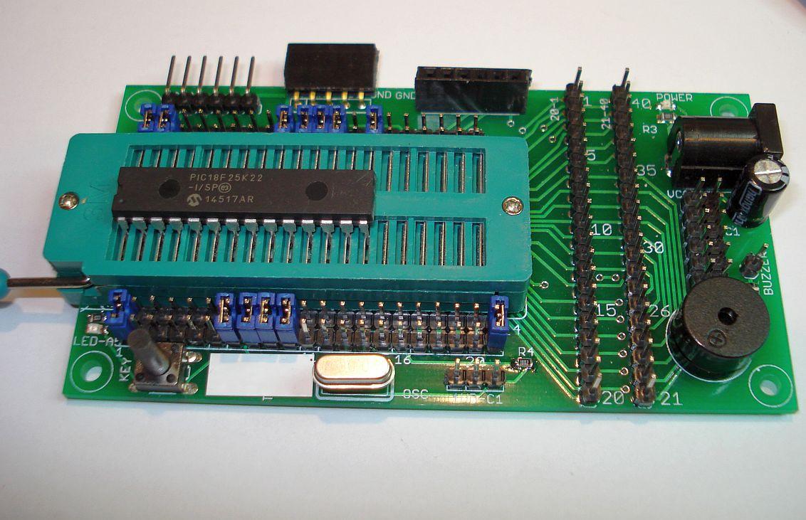 Op 40 pins ZIF socket gebaseerd PIC ontwikkelbord.
