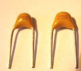 10 X 20pF Condensator 5mm steek